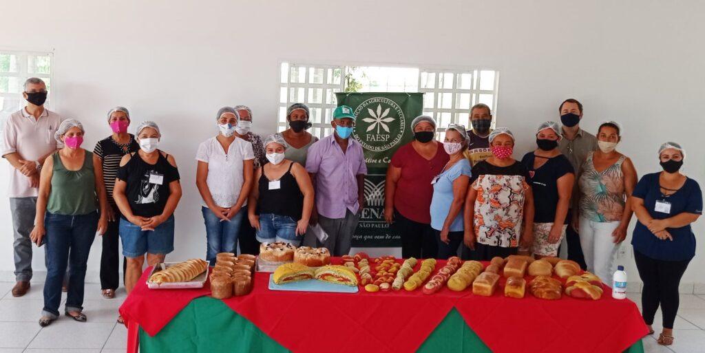 Curso de pães caseiros ajuda produtores rurais a gerar renda extra