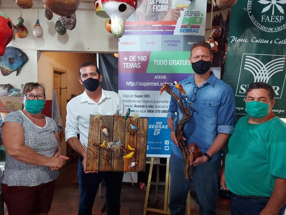 SENAR-SP: curso de artesanato com folhas gera oportunidades a produtores