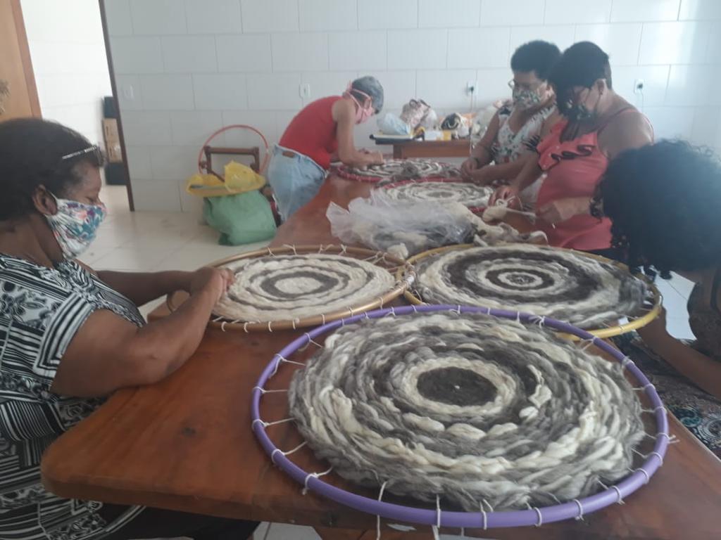 Curso de lã de ovelhas do SENAR-SP gera renda extra a produtoras rurais