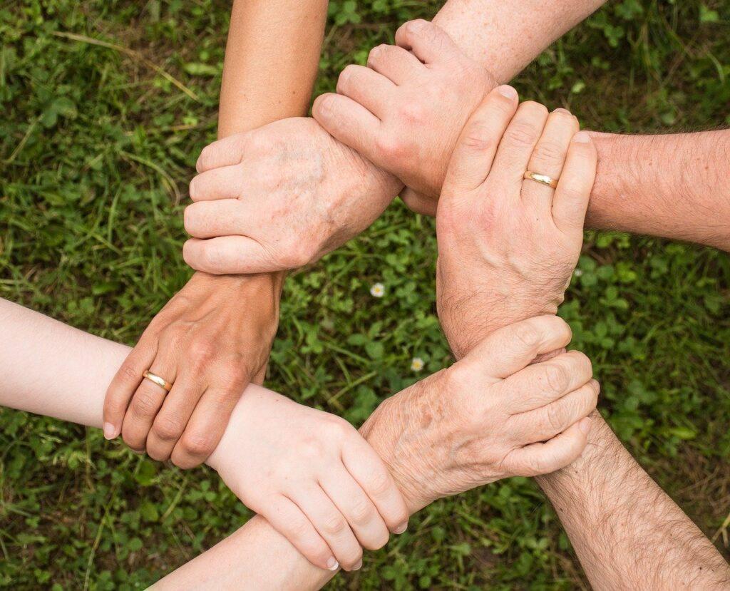 Veja como organizar e planejar soluções para sua comunidade