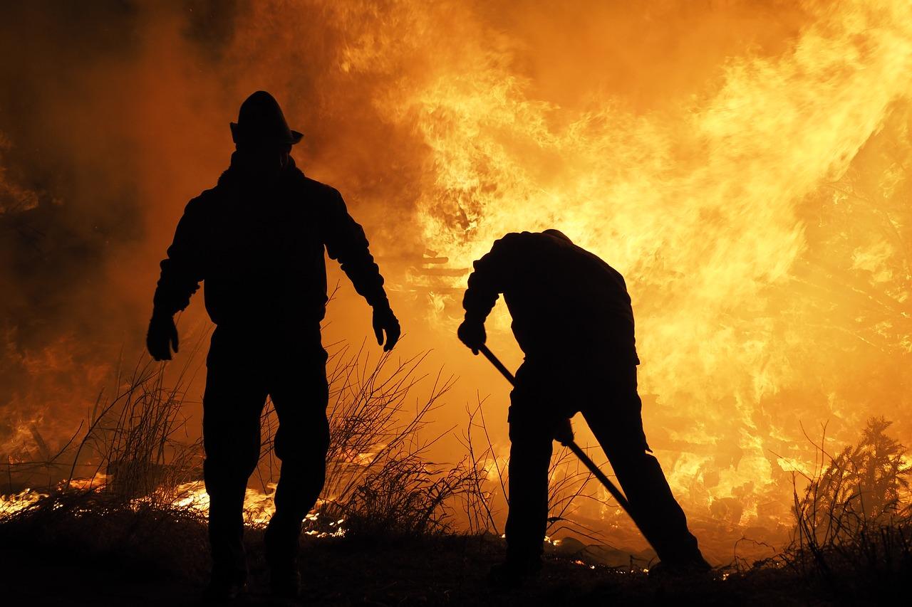 Conheça 3 técnicas de combate a incêndios no campo