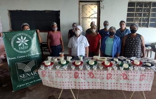 Cursos do SENAR-SP promovem melhora na qualidade da produção de leite e derivados