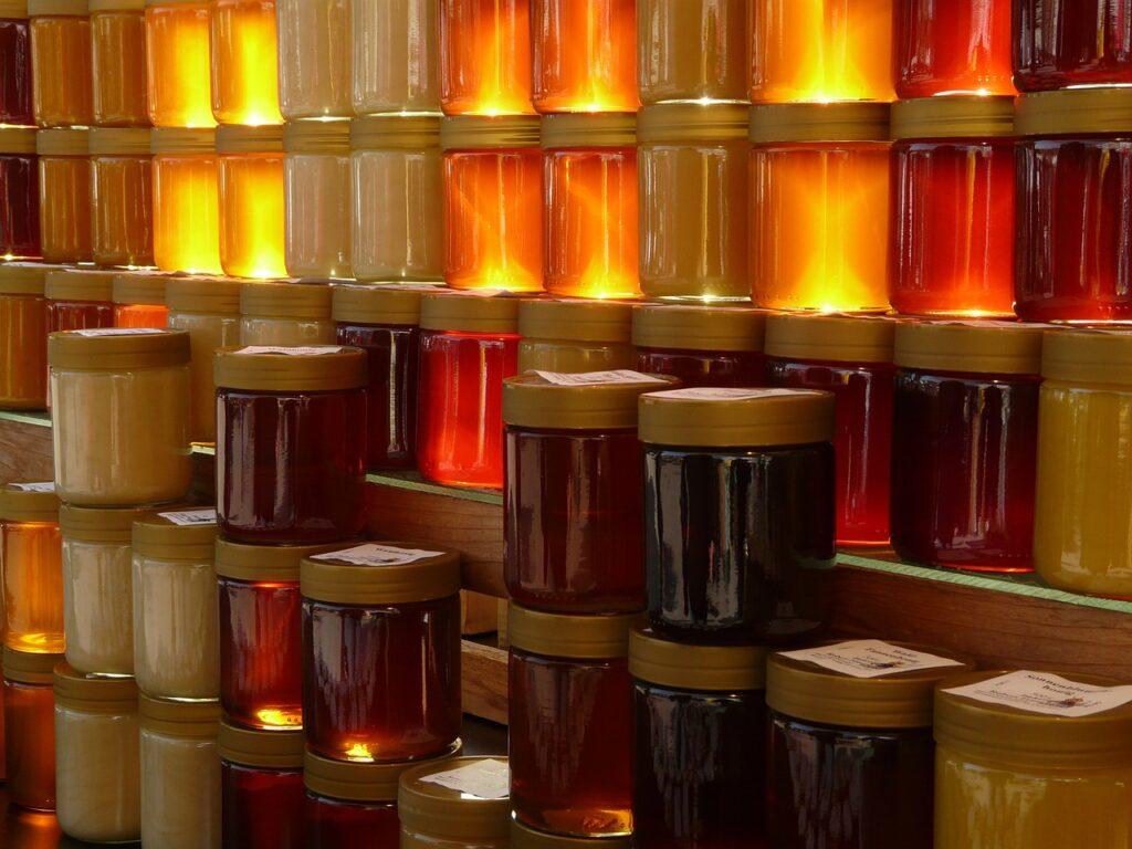 Conheça 6 produtos gerados pela apicultura