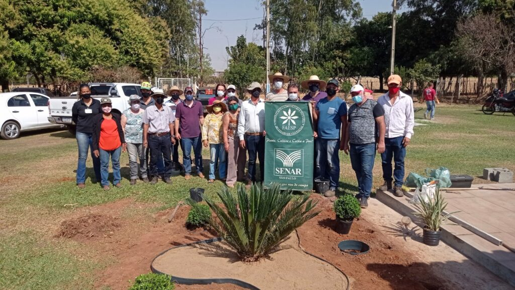 Em Araçatuba, curso do SENAR-SP ensina jardinagem a produtores